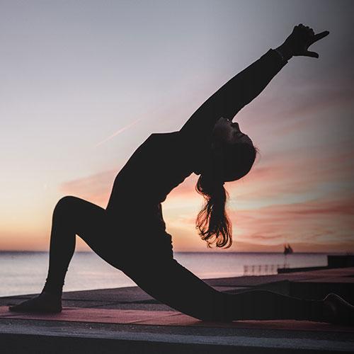 https://www.arezzobenesserefestival.it/wp-content/uploads/2020/09/be-yoga.jpg